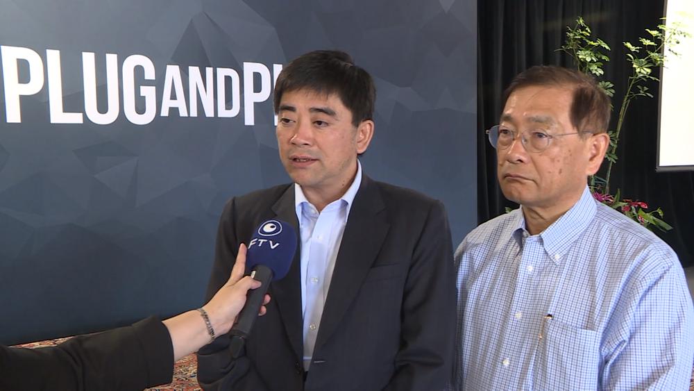 國發會副主委邱俊榮(左)擬將如興公司一案移送偵辦。圖片提供:民視新聞