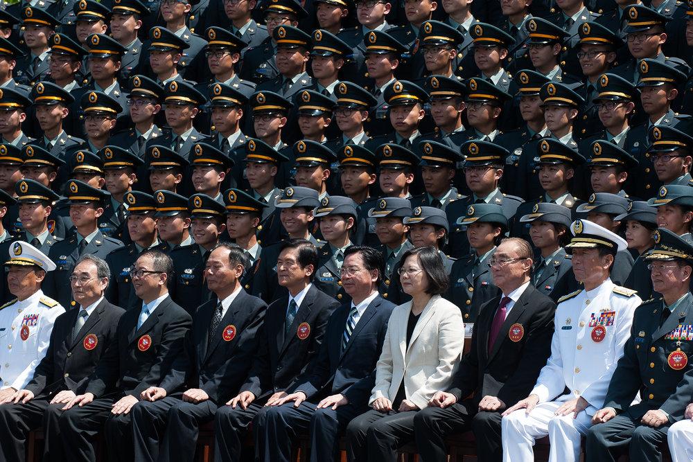 總統蔡英文去年(2017年)出席三軍六校聯合畢業典禮。圖片來源:中華民國總統府/Flickr