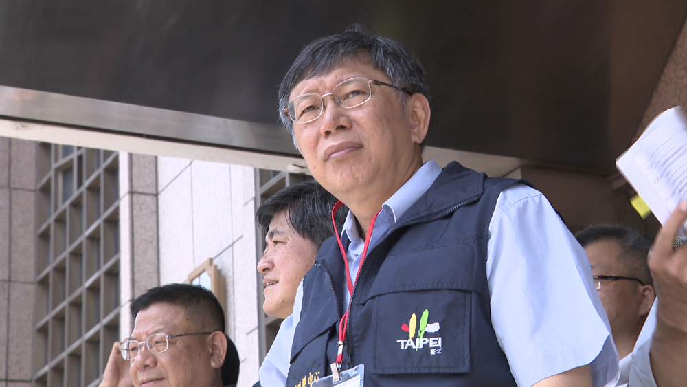 柯文哲2014年挾帶太陽花學運的氣勢,一舉擊敗國民黨的連勝文,當選台北市長。圖片提供:民視新聞