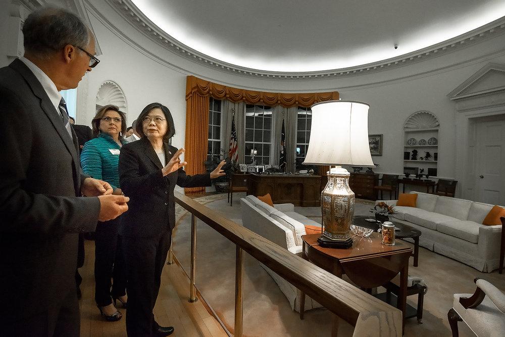 總統蔡英文參觀雷跟圖書館。圖片來源:中華民國總統府/Flickr
