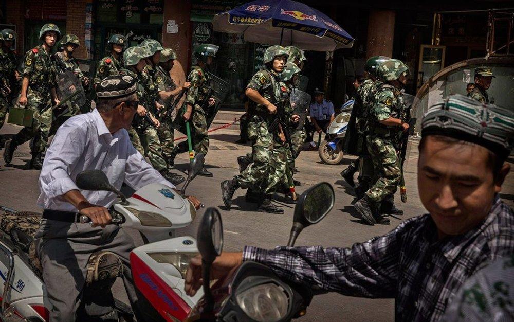 中國把許多維吾爾人關押進集中營中。圖片來源:Basın İlan Kurumu