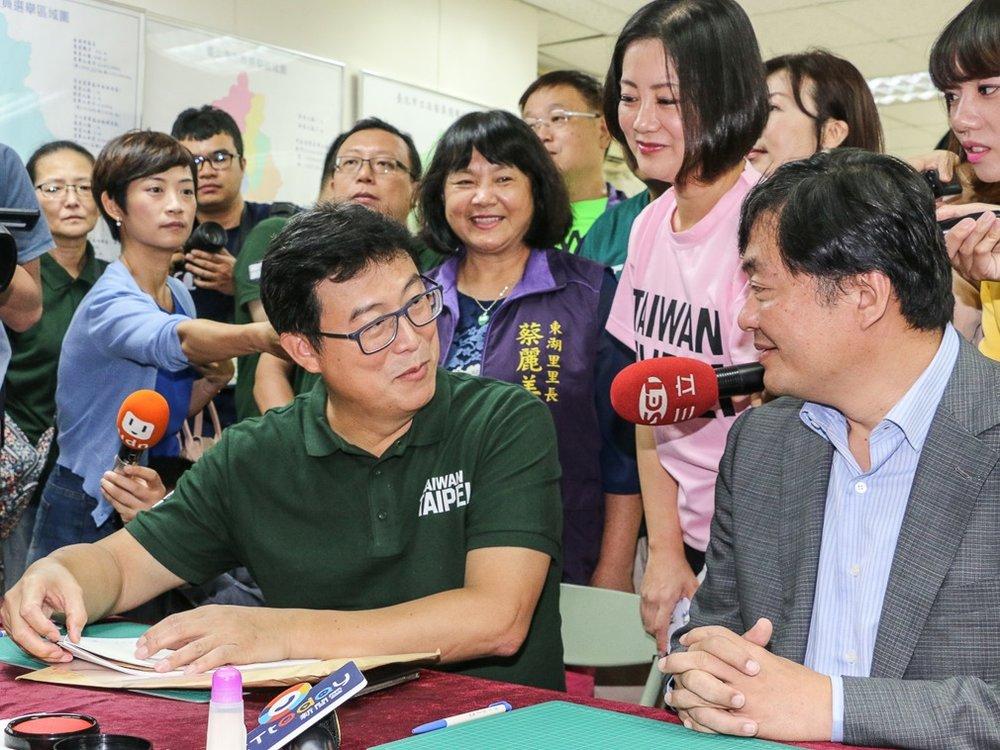 民進黨台北市長候選人姚文智以「國家首都,台灣台北」做為競選口號。攝:洪嘉徽/多維新聞