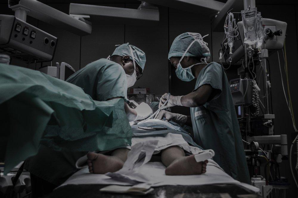 柯文哲涉嫌教中國醫師用葉克膜活摘器官。攝:Piron Guillaume/Unsplash