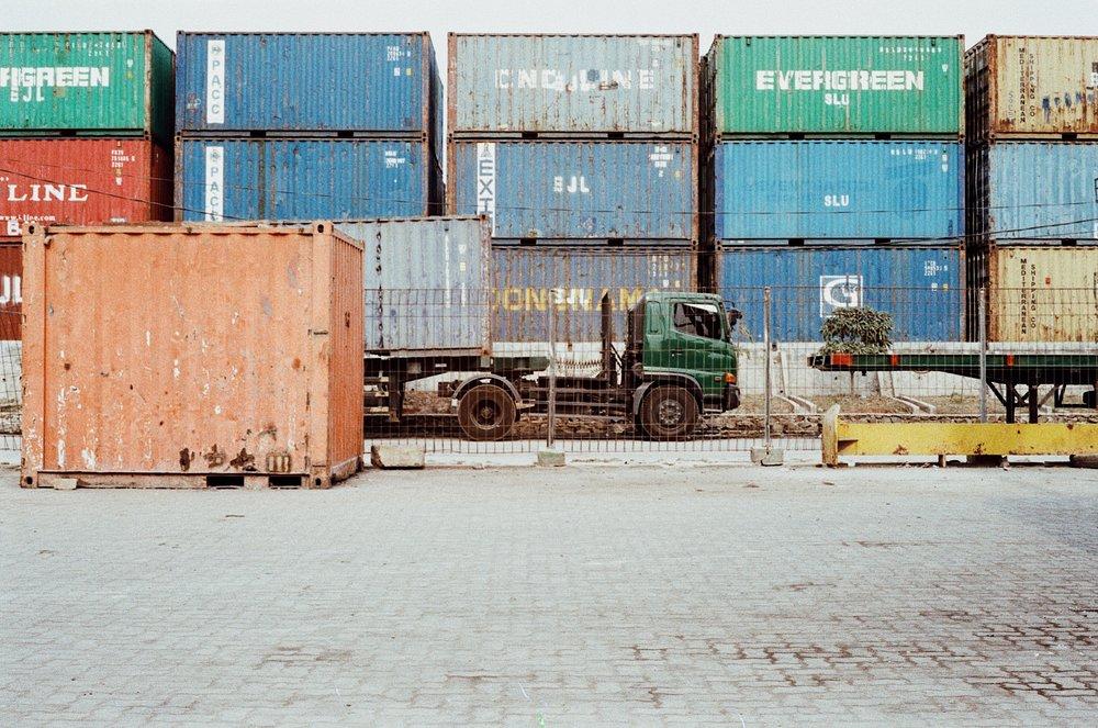 中國出口比正在持續下降。攝:Nico Giras/Unsplash