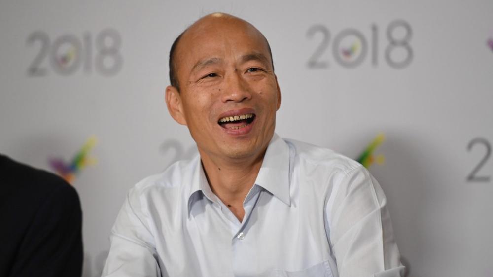 高雄市長韓國瑜與中國江蘇文峰集團簽下五億台幣的出口水果合同。圖片來源:中央通訊社