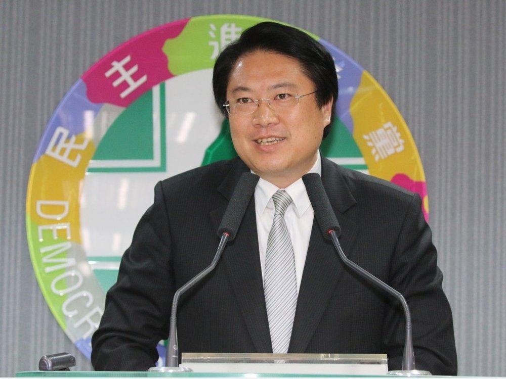 基隆市長林右昌訪美時,脫口說出民進黨「要從本土的、台灣的民進黨,蛻變成世界華人的民進黨」,圖片來源:多維新聞