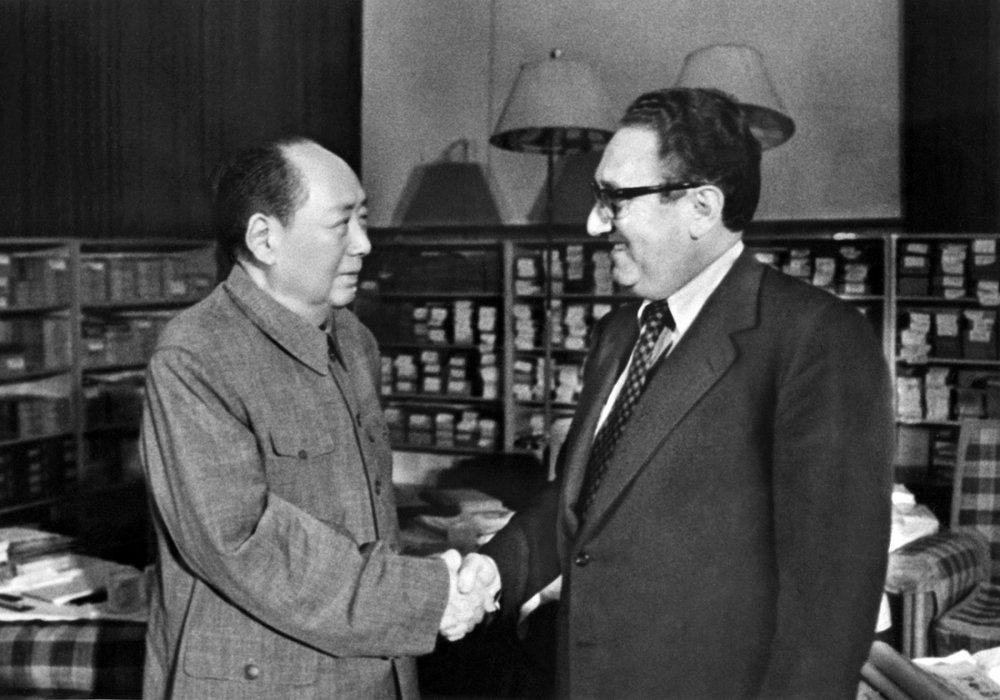 時任中國領導人毛澤東與時任美國國務卿季辛吉會面。圖片來源:Getty Images
