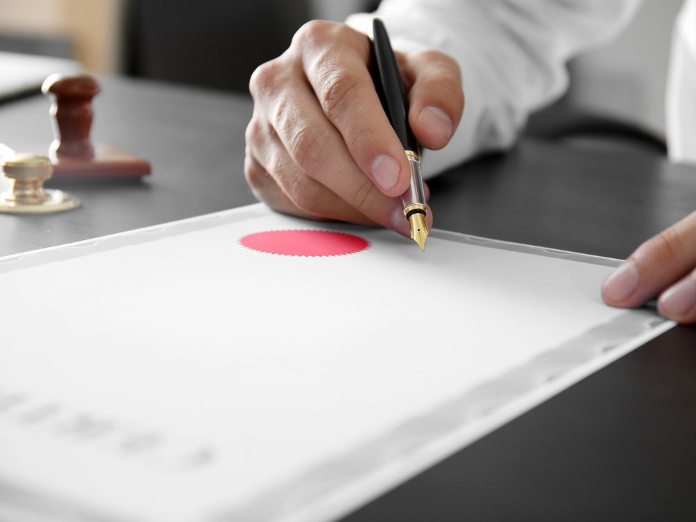 Notary publics are expected to be persnickety on details, but the state's authorization process is exasperating even them. (Shutterstock)