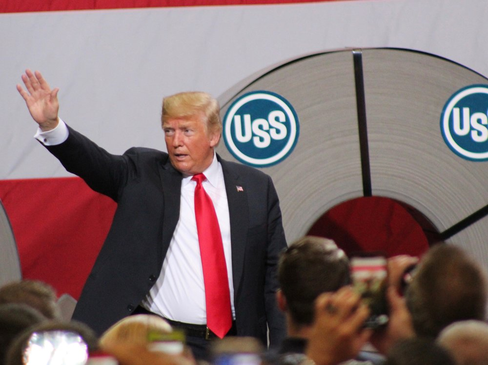 President Trump bids farewell to steelworkers after his speech in Granite City last week. (One Illinois/Ted Cox)