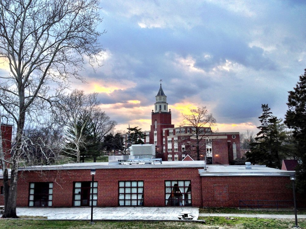 Pulliam Hall at Southern Illinois University's Carbondale campus. (Wikimedia Commons/Veeresh Dandur)
