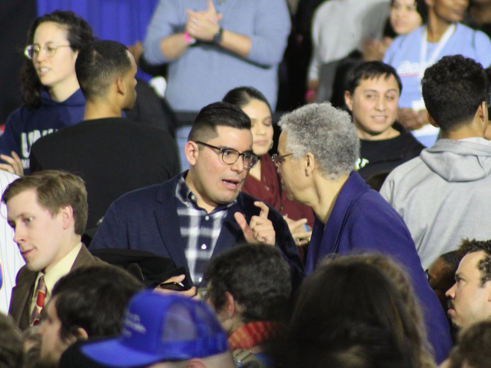 Chicago Alderman Carlos Ramirez-Rosa and Cook County Board President Toni Preckwinkle talk ahead of U.S. Sen. Bernie Sanders's campaign appearance in Chicago. (One Illinois/Ted Cox)