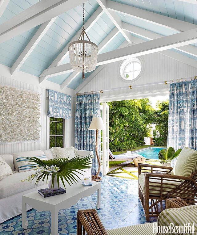 "For all the blue and white lovers like myself. This one is for you 😘💙. Not much to say expect ""Dream Space"". . . Via @lindseylanedesign 💕  @housebeautiful & @sophiedow  @francesfinds (styling) 📷 @petermurdockphotography . . . #poolhousedesign #poolhouse #blueceiling #blueandwhite #blueandwhiteforever #blueandwhitedecor #summerhome #islandstyle #highceilings #outdoorliving #outdoordecor #outdoordesign #beachhouse #beachcottage #coastalstyle #interiordesign #housebeautiful"