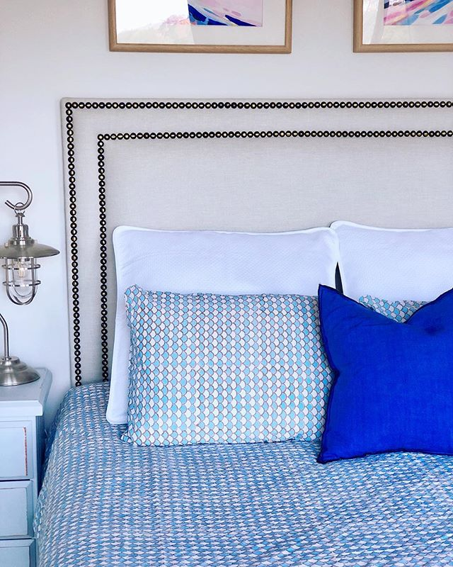 Bye bye duvet cover 👋, the days are getting warmer and it was time to pack you up again!. I've been waiting to finally have this beauty form @peacocks_paisleys on my bed and here it is😍. I love the fish scales pattern 🐟 🐠 it's basically whispering to me that summer is on its way🙌. . . .  #bedding #bedcover #bedlinen #bedroomdecor #bedroominterior #bedroomideas #bedroomdecorating #bedroomlove #masterbedroom #houseandhome #instabedroom #interiordetails #instadecor #beachstyle #blueandwhiteforever #blueandwhitedecor #coastaldecor #coastalstyle #queenslandhomes #mycoastalhamptonstyle