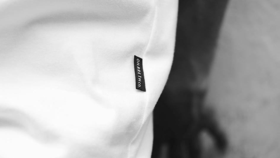 Gilbreth Co. - Madrid, 2017Locos por el buen diseño, la comodidad y el estilo.En Gilbreth Co. nos hemos propuesto compartir con vosotros nuestro ideal y la historia de nuestras vidas plasmándolo en las prendas que hemos estado produciendo solo para nosotros este tiempo atrás. Confiamos que tenemos en nuestras manos algo muy bonito que compartir y que sólo así tendrá sentido.Diseños que vuelan desde Indonesia hasta Madrid, exclusivos y limitados, plasmados en algodón 100%. Prendas que desafían, innovan y por lo tanto, marcan la diferencia.Gilbreth Co. te propone un viaje. Ayúdanos a que nuestra historia siga creciendo.Prometemos no defraudarte. Hagamos las cosas bien, hagamos Gilbreth Co. juntos.