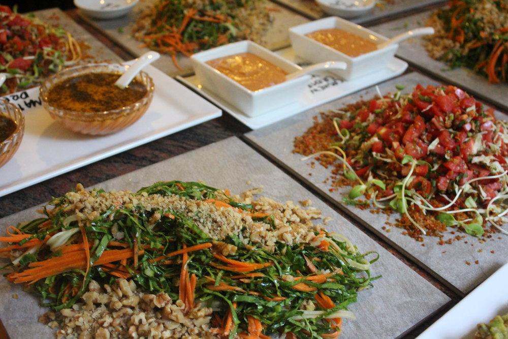Delicious Raw Vegan Thai Tomato Salad