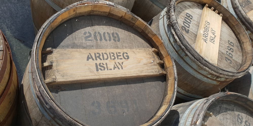 Experimental_Whisky_ardbeg-barrels-the-three-drinkers.jpg