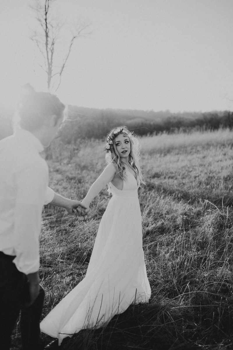 3421a-41virginia_elopement_sky-meadows-state-park_erin-krespan.jpg