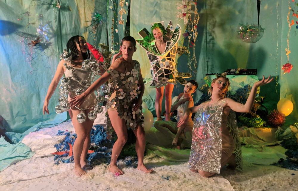 Acud Macht Neu Livia Rita gang of witches pop electronica music fashion singer berlin Aya Nakagawa Eli Cohen Josephine Auffray Ali Heffetz Siobhan'ocallaghan set