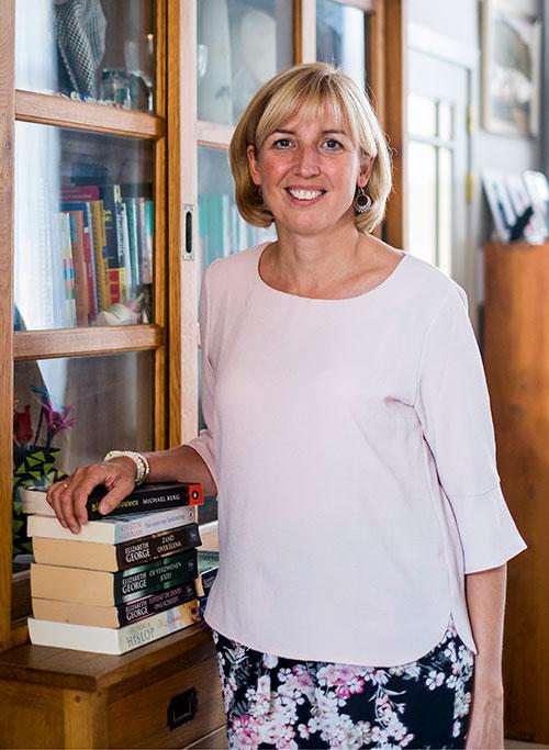 Helena Geys  7de plaats - Gemeenteraad  46 jaar - wetenschapper/docente Steenbergstraat 10 - 2280 Grobbendonk 0476 86 23 14     helen.geys@gmail.com      Download hier de volledige lijst