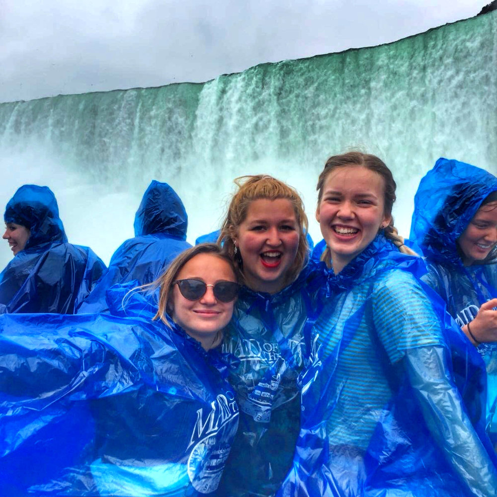 Niagara+Falls+Maria+maid+of+the+mist.jpg