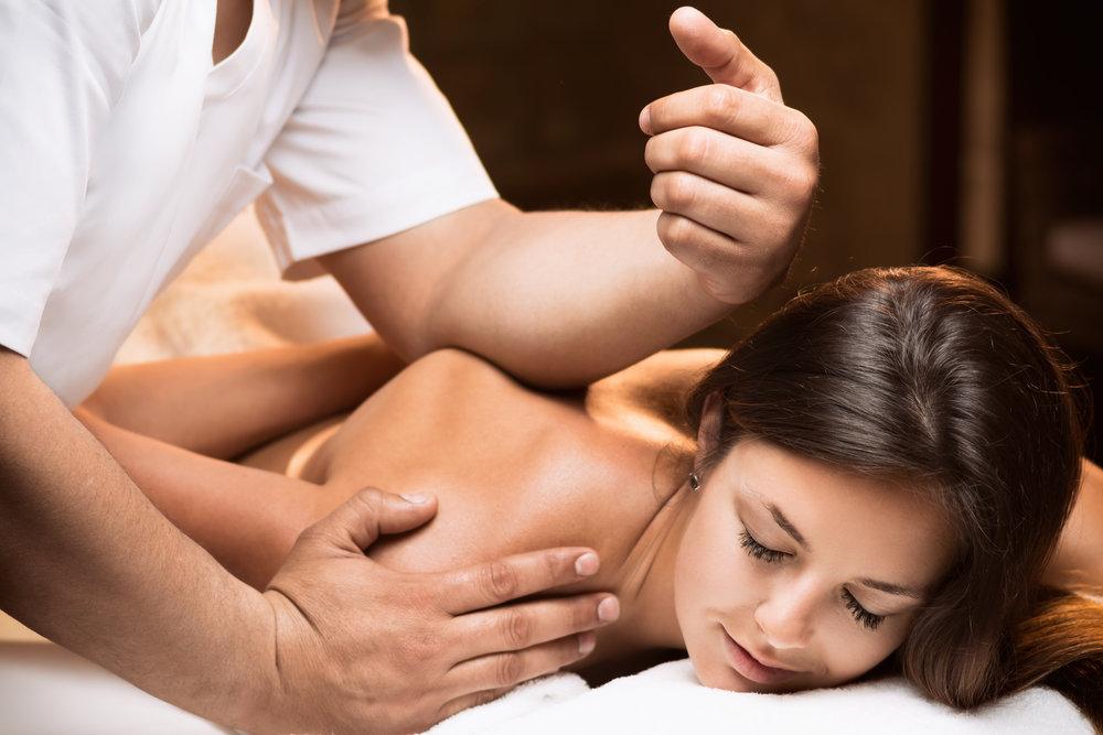 Klassische Massage - Die gezielten Griffe entspannen nicht nur Ihre Muskulatur, sondern wirken Sie auch ausgleichend auf Ihre Gesamtstimmung aus. Schon eine kurze Anwendung gibt Ihnen neue Kraft.