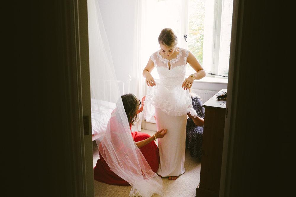 1_Lisa & Christy Malmesbury Wiltshire Documentary Wedding Photographer-122.jpg