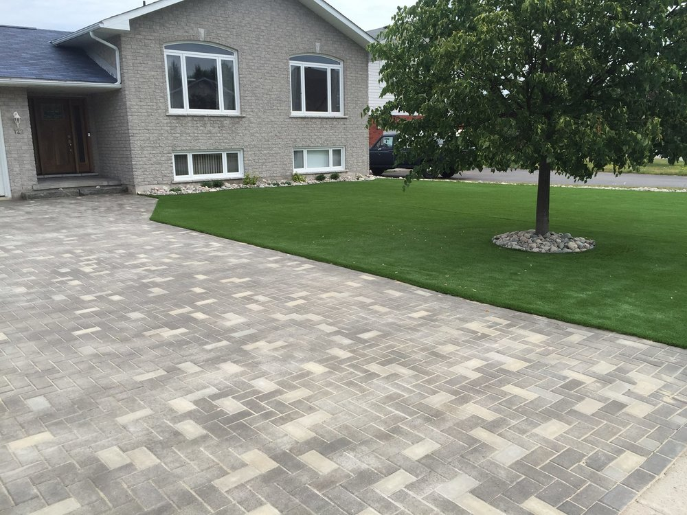 Nordic Paver Mixed Stone (Blackwood and Grey)