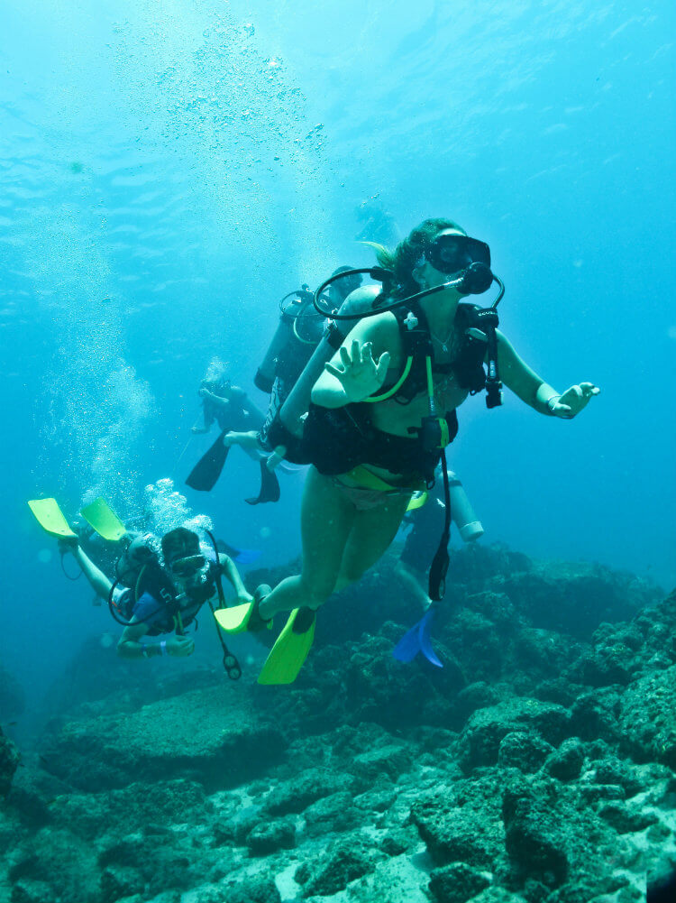 Dive Marietas - couple.jpg