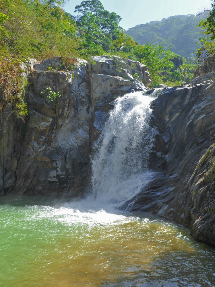 Nature Safari - waterfall.JPG