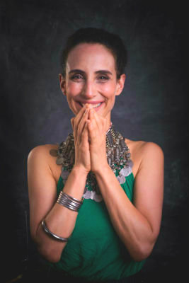 Alexander Yoga (English & Español)  With Sara Robledo | May 5 - 9