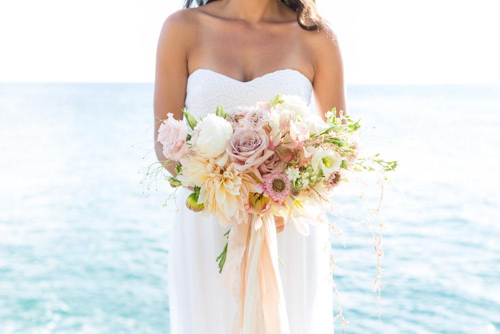 pink-bride-bouquet-bride hawaii.jpg