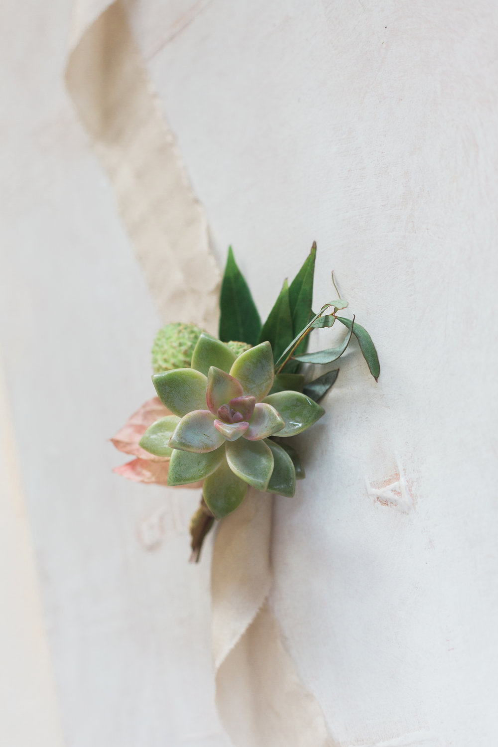boutonniere hawaii elopement.jpg
