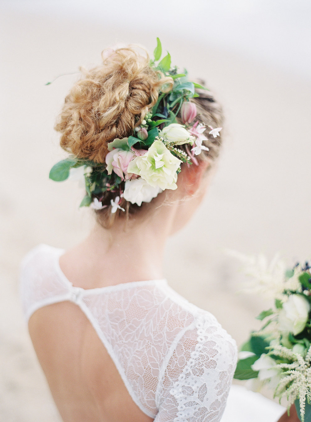 hair-flowers-flower-crown-hawaii-florist-designs-by-hemingway.jpg