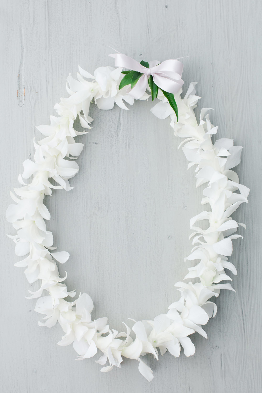 white orchid lei hawaii elopement.jpg