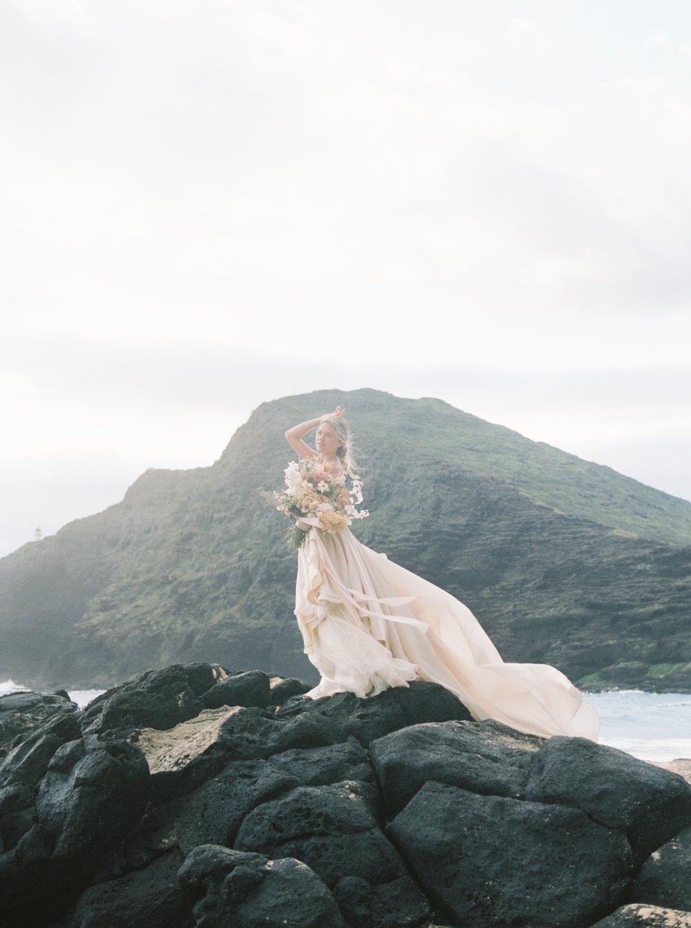 hawaii beach elopement.jpg