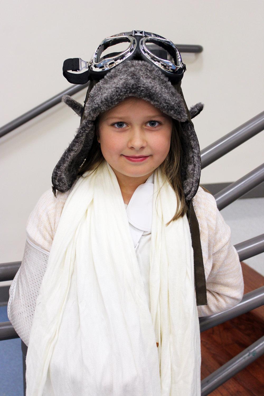 Puster Brooke Hathaway Amelia Earhardt.jpg