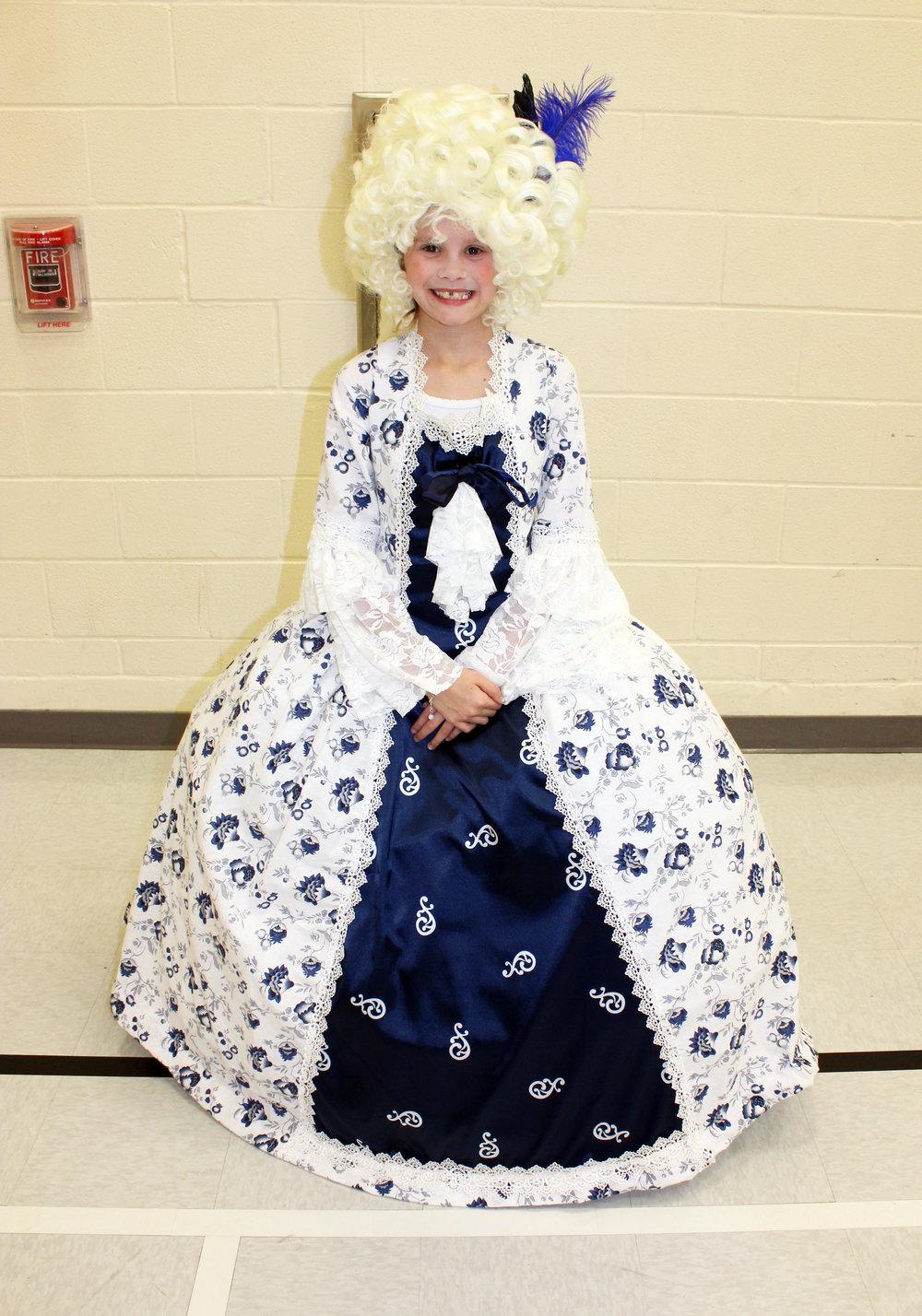 Puster Emily Bradshaw Marie Antoinette.jpg