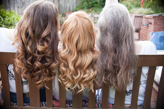 Can you tell which beauty has extensions? 🙊 Click the link in bio to schedule an extension consultation!