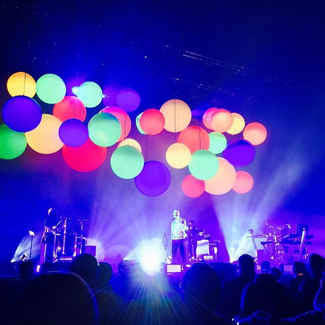 Another top-notch performance by Pet Shop Boys!