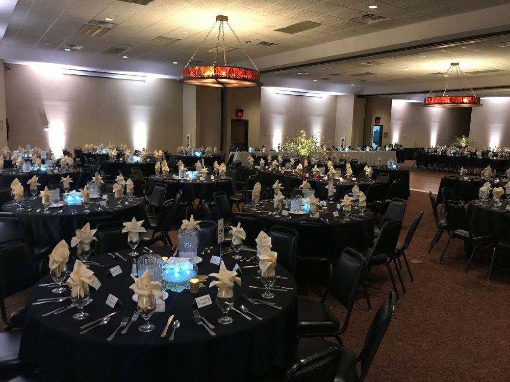 Quad Cities Wedding venue uplighting