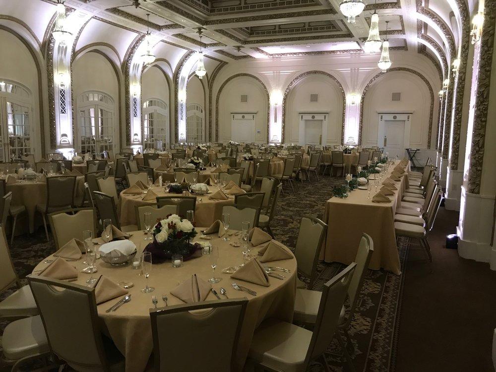 Beautiful Quad Cities Wedding venue with uplighting