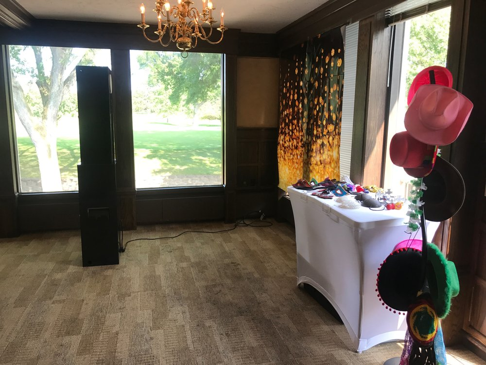 Professional Wedding Booth Quad Cities