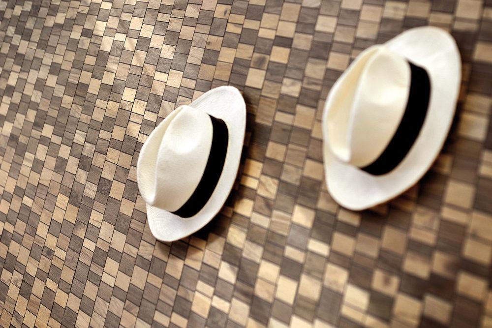Particolare-mosaico-con-cappelli.jpg