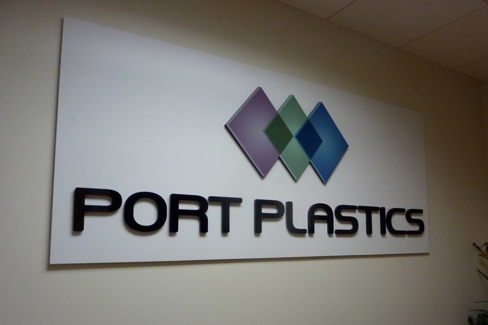 Port Plastics dimensional reception logo