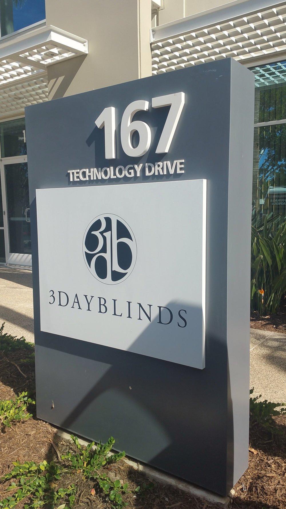 3 Day Blinds monument.jpg