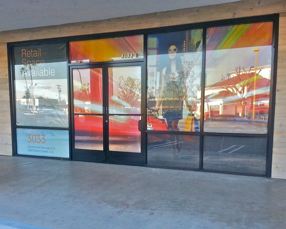 CUSTOM PRINTED RETAIL VINYL WINDOW BANNER LEASING / FOR LEASE BANNER