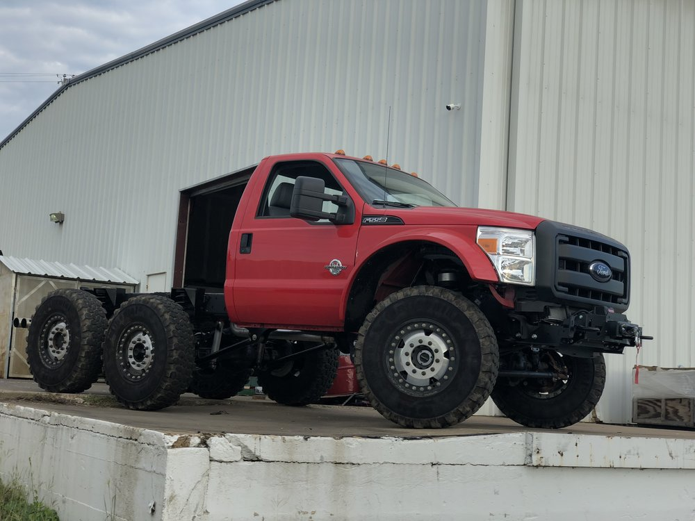 6x6 MRAP style wheels ford f550 super duty f450 truck six wheel drive powerstroke 6.7l 6x6 conversion