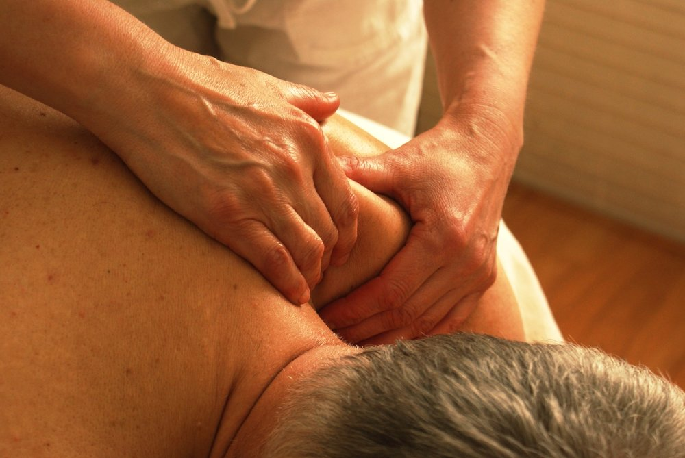 massage-389716_1920.jpg