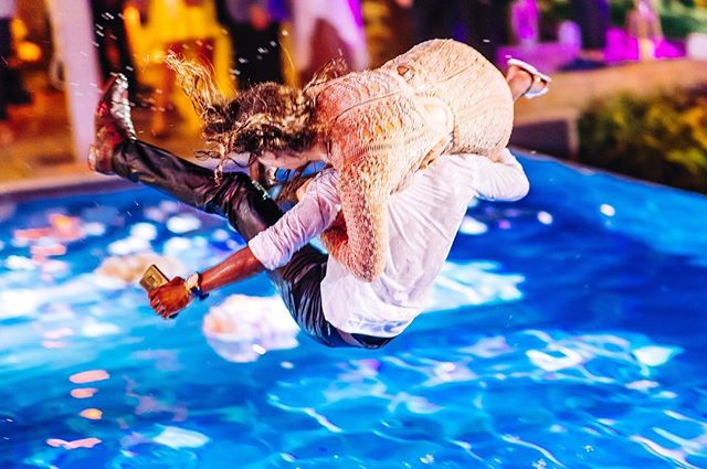 Jumping into Friday like... 😂 ... .. .⠀⠀⠀⠀⠀⠀⠀⠀⠀ #wedding #weddingphotography #weddinginspiration #fineartwedding #creativewedding #bride #brideandgroom #groom #realwedding #weddingideas #modernwedding #chasinglight #junebugweddings #photobugcommunity #elopementcollective #theknot #fearlessphotographer #reception #pool @greenwedding_by_madaraszzsuzsi