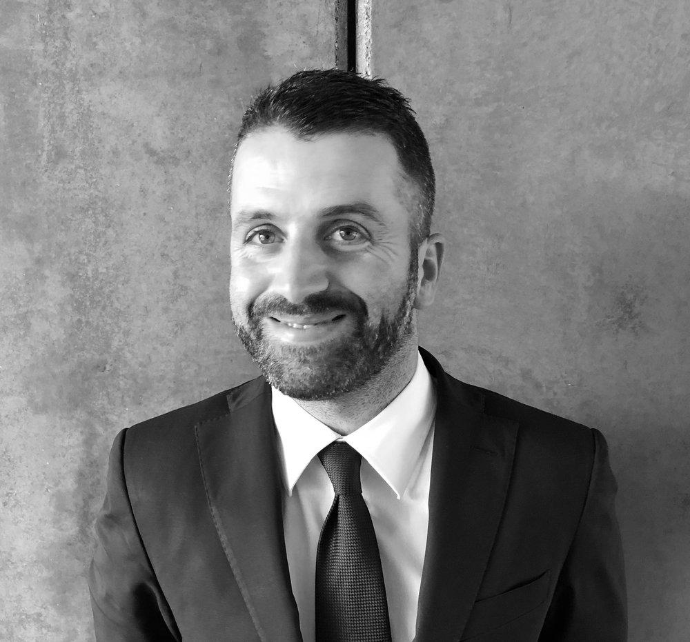 fabio pelliccia - Maitre sommelier del Antonello Colonna Resort&Spa (1 stella michelin), sommelier professionista da un decennio e grande amante della natura a tal punto da avere un piccolo